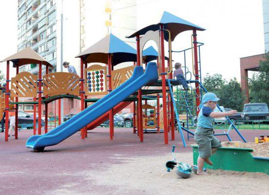 Чьи детские площадки?