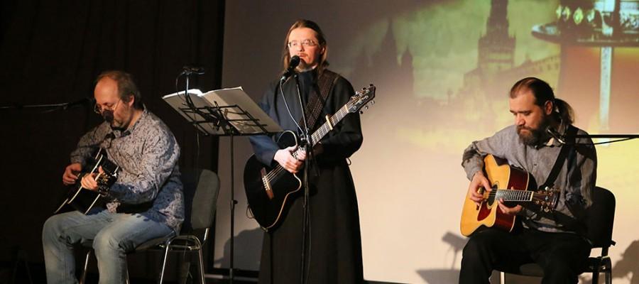 Поющий монах