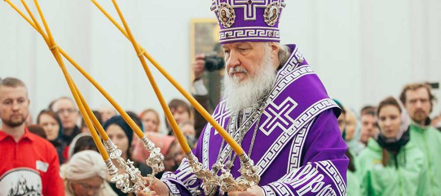 Святейший Патриарх Кирилл освятил восстановленный храм в Филимонках