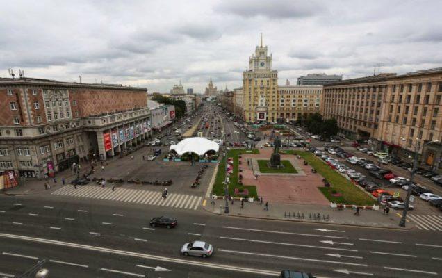 Собянин: Триумфальная площадь стала полноценным пешеходным пространством