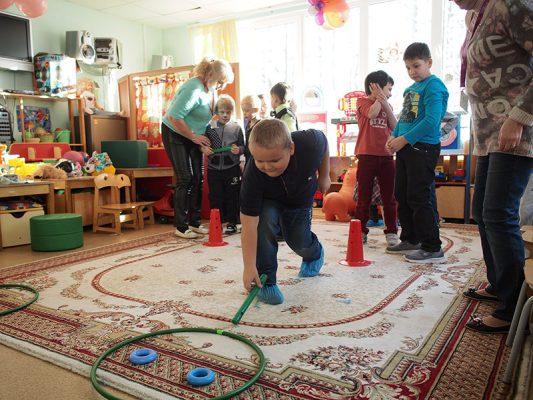 В Москве с 1 января все пособия на содержание детей-сирот будут увеличены на 10%