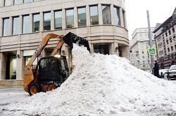 Московские коммунальщики справились с последствиями аномального снегопада