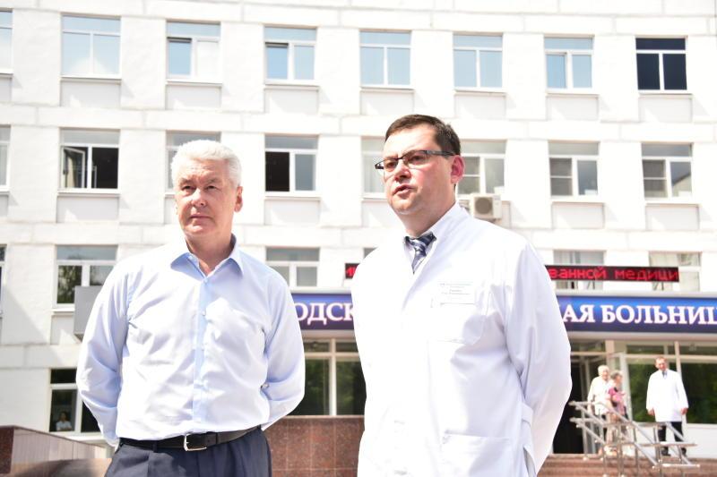 Мэр Москвы Сергей Собянин во время посещения нового сосудистого центра при городской клинической больнице №3.