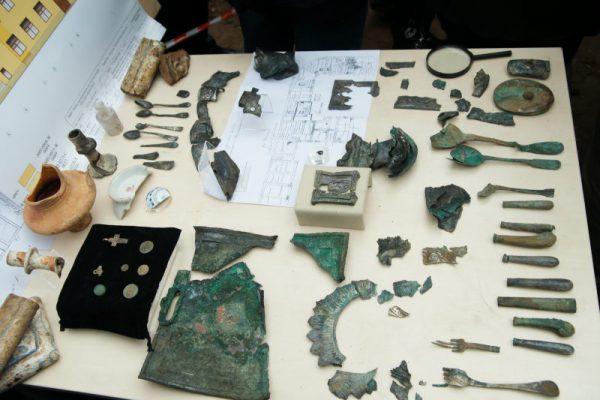 Уникальная старинная печать найдена столичными археологами