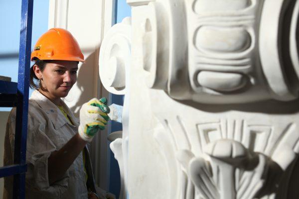 Более сотни памятников отреставрируют в Москве до конца года