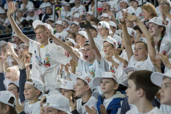 Разработанная «Единой Россией» программа бесплатного детского отдыха будет продлена на 2017 год