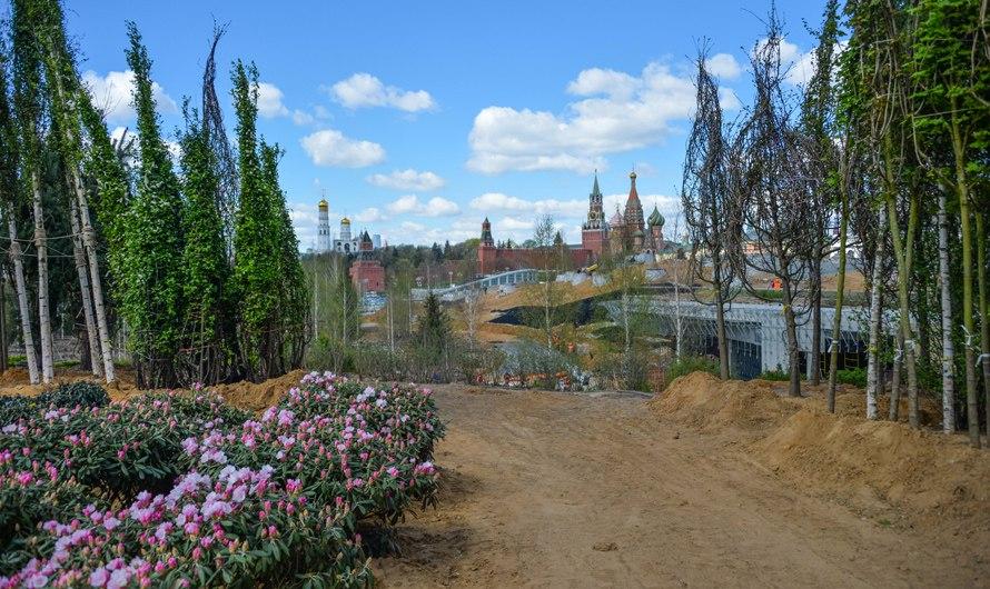 В парке «Зарядье» начали благоустройство пешеходного пространства. Фото: официальный портал мэра и Правительства Москвы