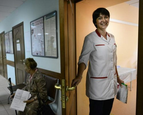 Для удобства москвичей детские поликлиники выдают медсправки без выходных