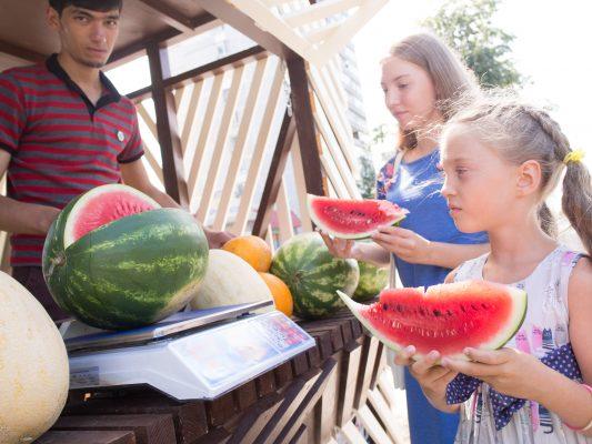 Август –  сезон полосатых ягод