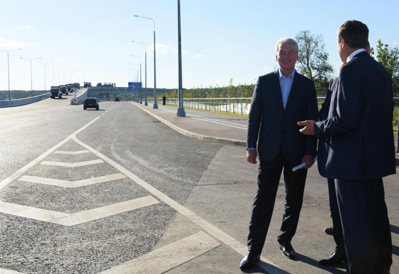 Мэр Москвы Сергей Собянин открыл движение по новой дороге от Боровского шоссе до Троицка
