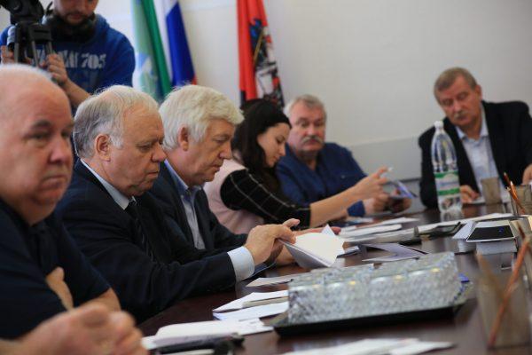 Совет депутатов решает оргвопросы