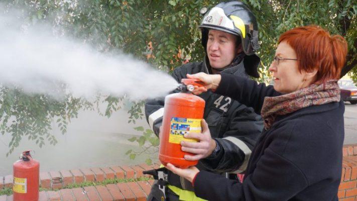 С пенсионерами Троицка проведена учебная тренировка по эвакуации при пожаре