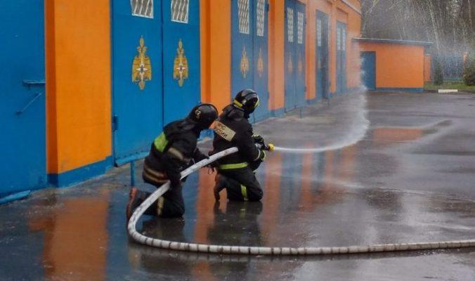 Пожарные совершенствуют свои профессиональные навыки