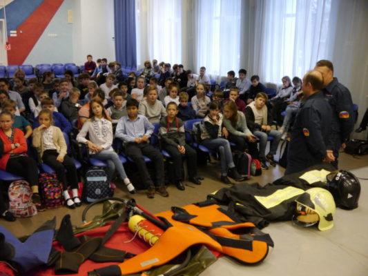 В ТиНАО проходят мастер-классы, викторины, занятия по безопасности для школьников