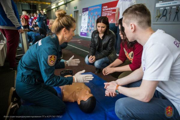 Спасатели Москвы обучили более шести тысяч волонтёров