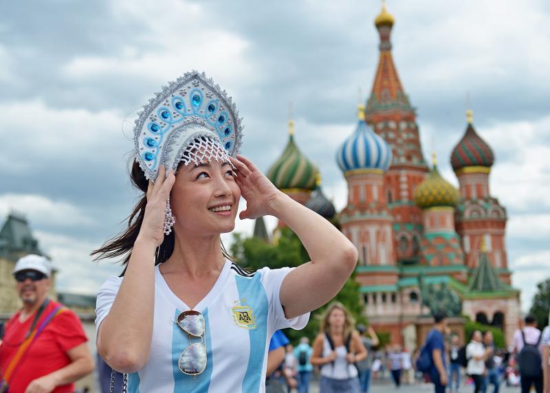 Власти Москвы призвали болельщиков не посещать фан-зону возле МГУ 25 июня. Фото: архив