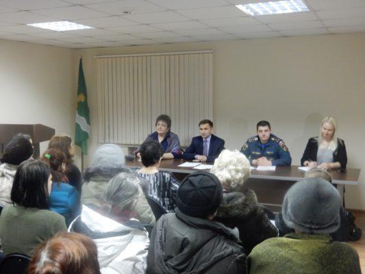 Сотрудники МЧС приняли участие во встречах с населением поселений ТАО