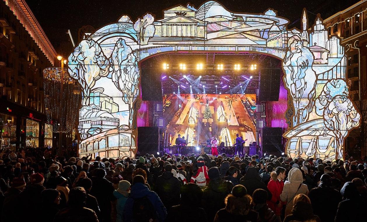 Более 2 млн человек приняли участие в праздничных гуляньях в столице 1 января. Фото: сайт мэра Москвы