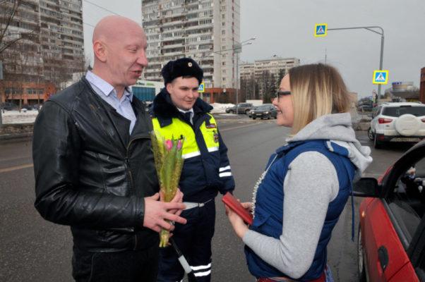 Тюльпаны для автоледи