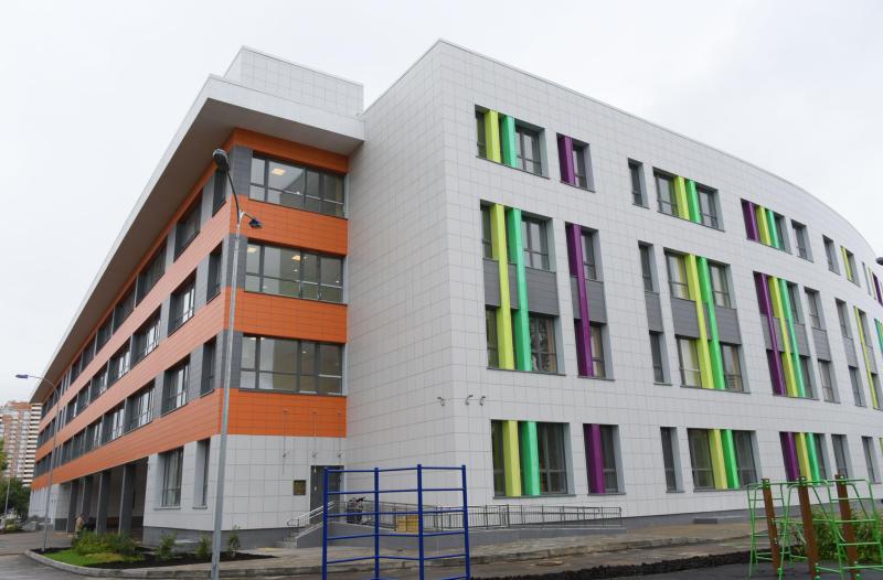 Новые школы появятся еще в пяти районах по программе реновации. Фото: архив