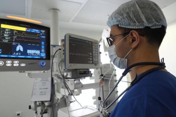 Столичные медики вернули к нормальной жизни парализованного пациента