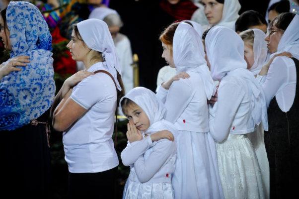 Открылась «горячая линия» для паломников к мощам святых Петра и Февронии