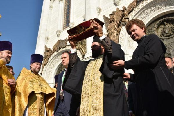 В Москву 14 июля привезут мощи святых Петра и Февронии
