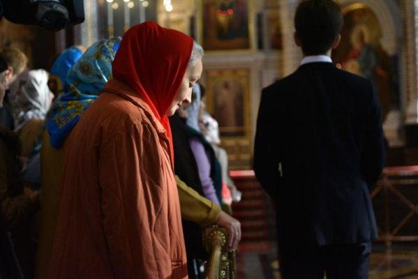 Священник РПЦ поведал для чего следует приходить к мощам святых Петра и Февронии