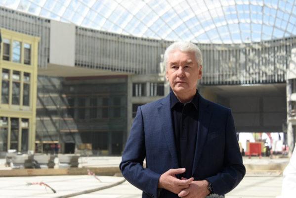 Собянин осмотрел ход строительства новой больницы в Коммунарке