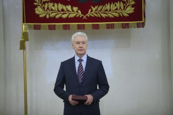 Собянин наградил работников скорой помощи в честь 100-летия службы