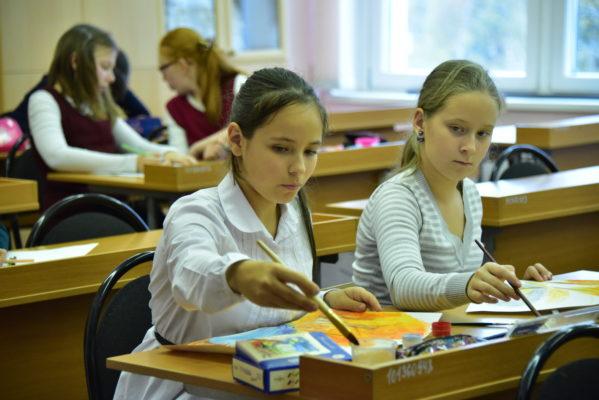 Более 26 тыс учеников участвуют в московском этапе Всероссийской олимпиады