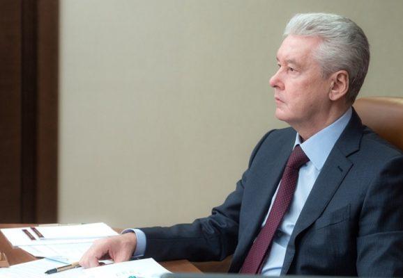 Как выполняется поручение мэра по поддержке москвичей на самоизоляции