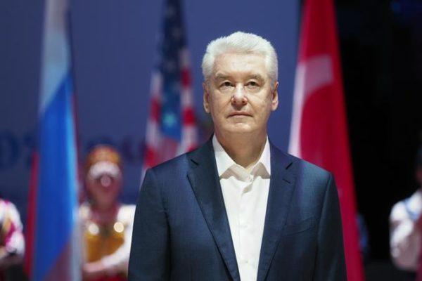 Мэр Москвы отложил введение пропускного режима