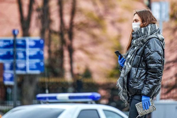 В Москве с 12 мая введен масочный режим