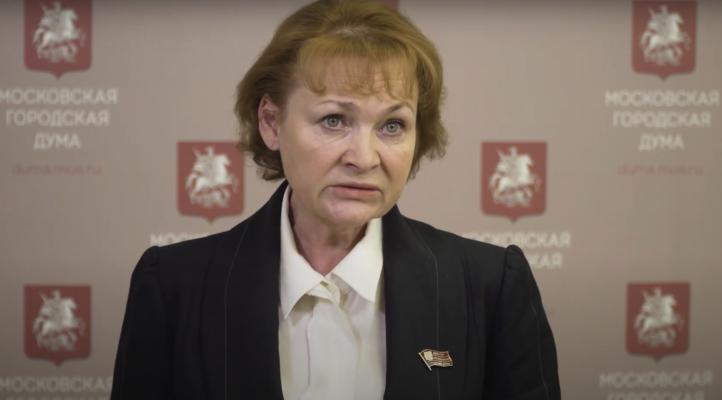 Депутат МГД Стебенкова: Москва продлила оказание активной помощи пожилым горожанам соцработниками