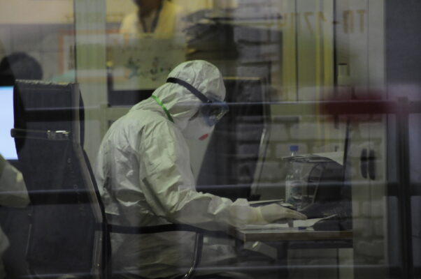 Эксперты проводят параллели между испанкой и коронавирусом