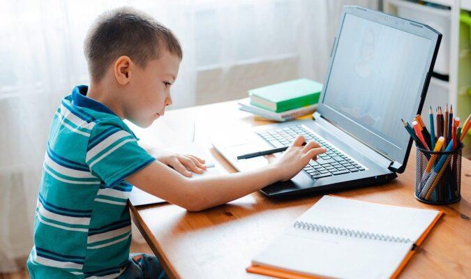 Московские единоросы подвели итоги благотворительной акции «Собери ребенка в школу»