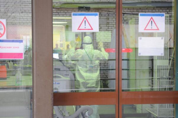 Резервный ковид-госпиталь в КВК «Сокольники» принял первых пациентов
