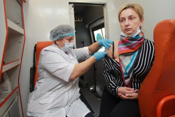Бюджет Москвы на 2021 год предусматривает бесплатную вакцинацию от COVID-19