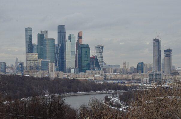 Омбудсмен Москвы Потяева опровергла информацию о переполненных камерах в Сахарово