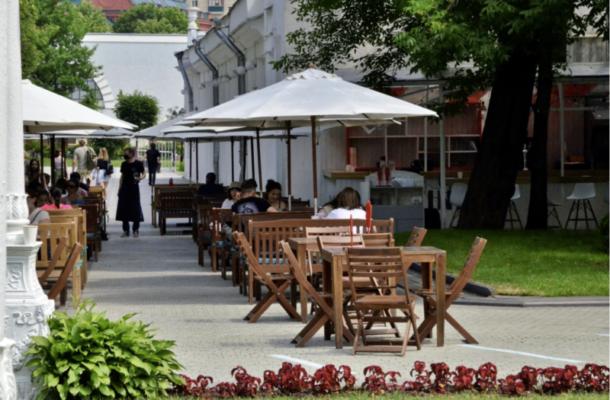Магазины и рестораны в Москве будут работать в обычном режиме
