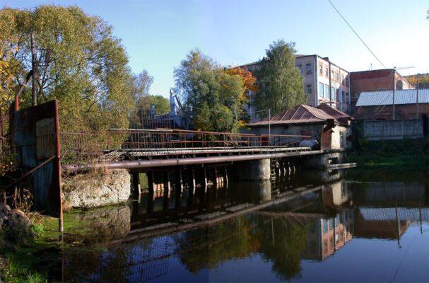 Фабричная плотина до реконструкции.