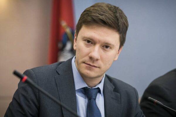 Депутат МГД Александр Козлов обсудил с москвичами реализацию программы реновации на онлайн-встрече