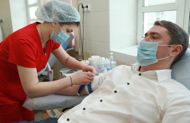 Плазма крови: врачи отметили эффективный метод для борьбы с COVID-19