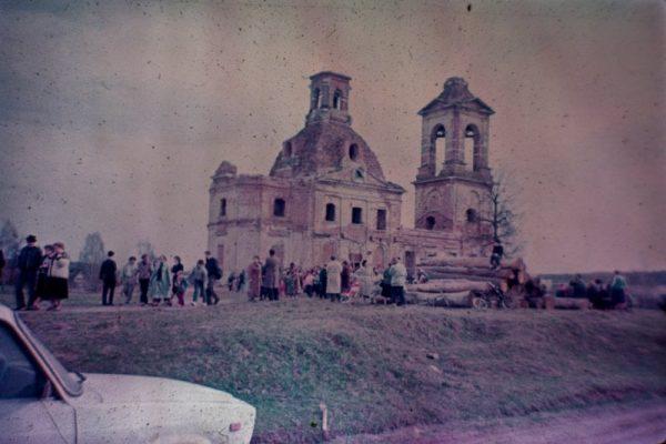 Прихожане храма Казанской иконы Божией Матери в Пучково 21 июля торжественным богослужением и крестным ходом отметили престольный праздник.