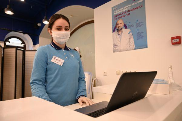 В Москве от COVID-19 уже вакцинировались более 4 миллионов человек