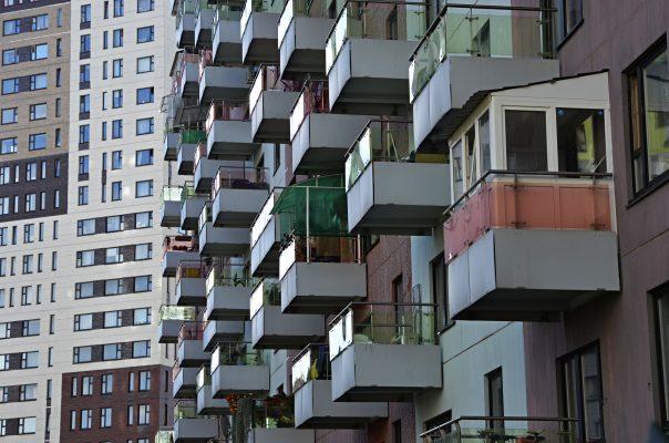 Шестьдесят человек из московских домов-интернатов станут участниками проектов по сопровождаемому проживанию